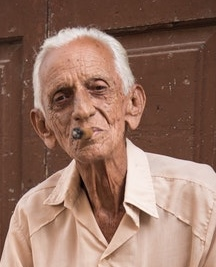 Joe's grandad selling cigars in Cuba